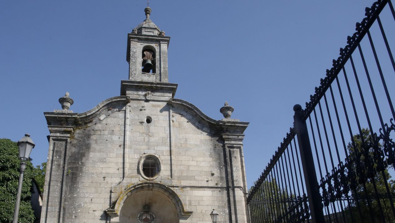 A igrexa de O Carme ubicada no Camiño de Santiago.Pablo Casado visitó este lunes por la mañana una explotación ganadera en Cospeito