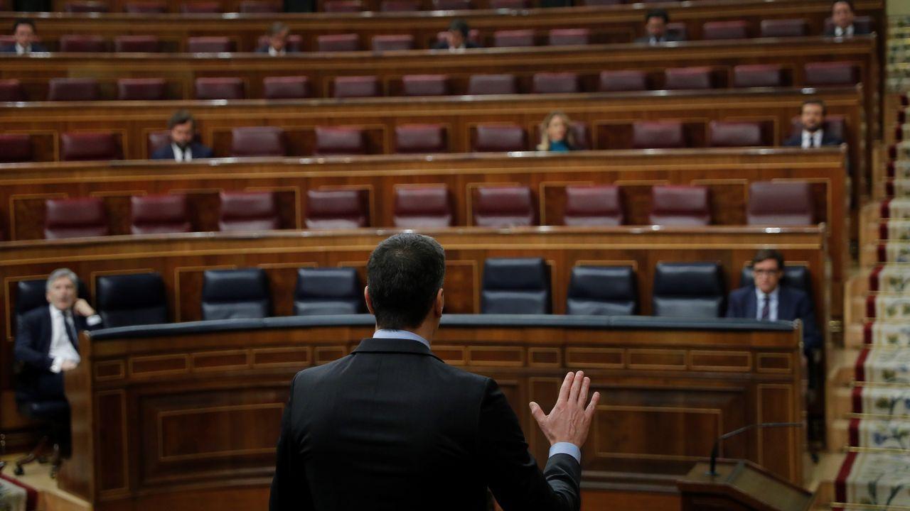 Debate en el Congreso de los Diputados de la cuarta prórroga del estado de alarma.Pablo Iglesias, conversa con el diputado de Unidas Podemos Jaume Asens durante el pleno del Congreso de este miércoles