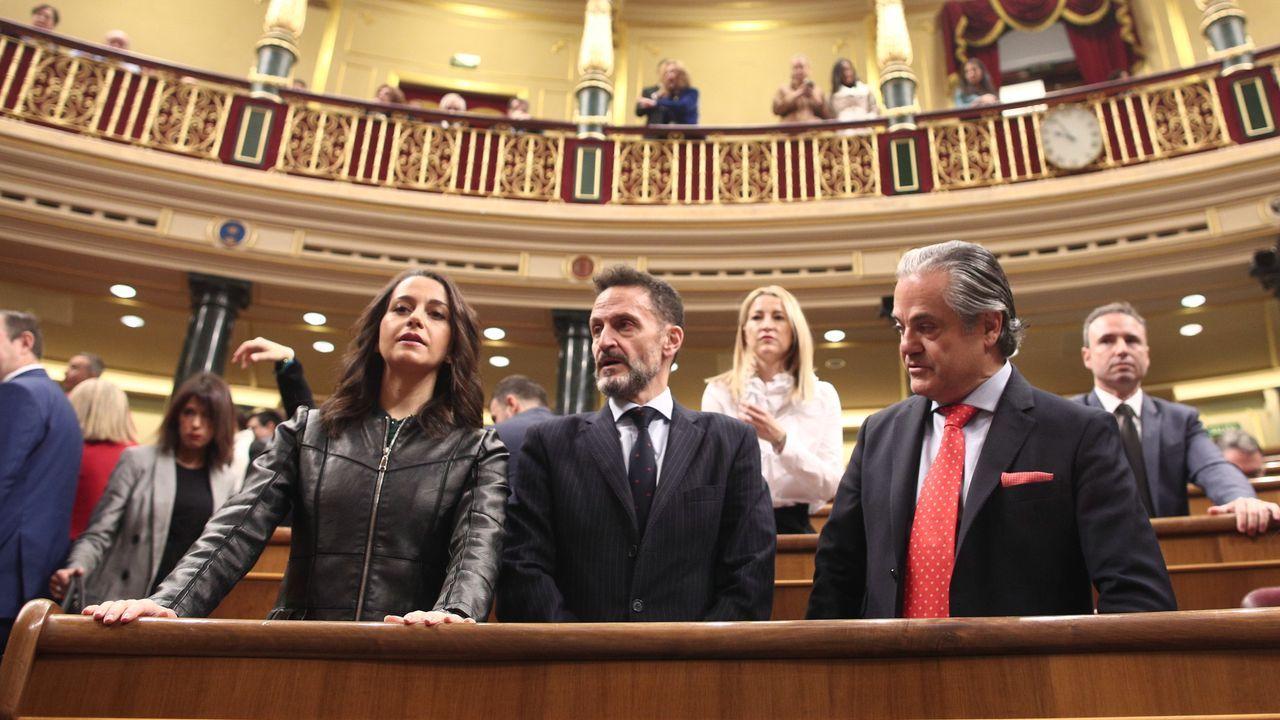 Los diputados de Ciudadanos en el Congreso, Inés Arrimadas, Edmundo Bal y Marcos de Quinto, momentos antes de empezar la sesión