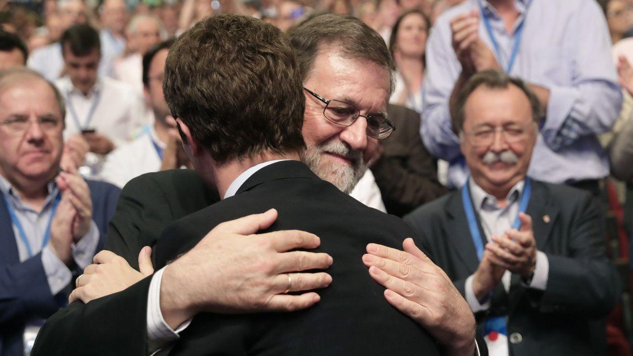Santamaría felicita a Casado tras su victoria en el Congreso del PP