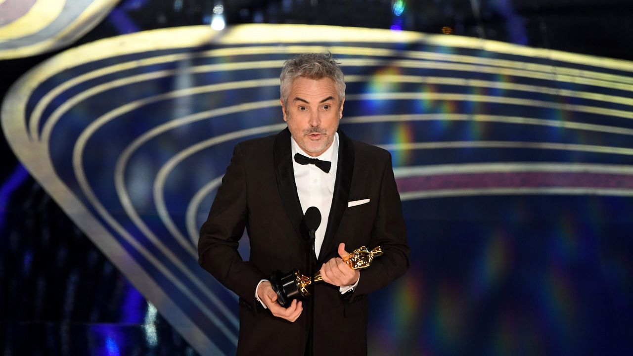 Alfonso Cuaron recibe el Óscar a la mejor fotografía