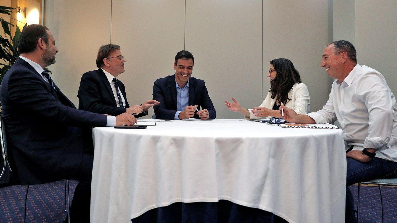 José Luis Ábalos, Ximo Puig, Pedro Sánchez, Mónica Oltra y Joan Baldoví se reunieron este lunes en Valencia para hablar sobre el apoyo de Compromís a un Gobierno central liderado por el PSOE