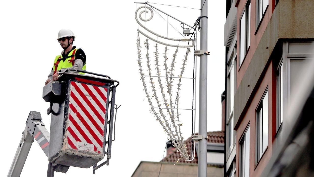 Marta Ortega luce embarazo en Casas Novas.Zara.com, 63.000 metros cuadrados en Arteixo. El edificio, que está en construcción, albergará las infraestructuras necesarias para las producciones audiovisuales que realiza habitualmente la compañía. La dirección de la multinacional asegura que estará dotado con los sistemas más avanzados de ecoeficiencia, tanto en su construcción como en su posterior gestión de residuos y de energía
