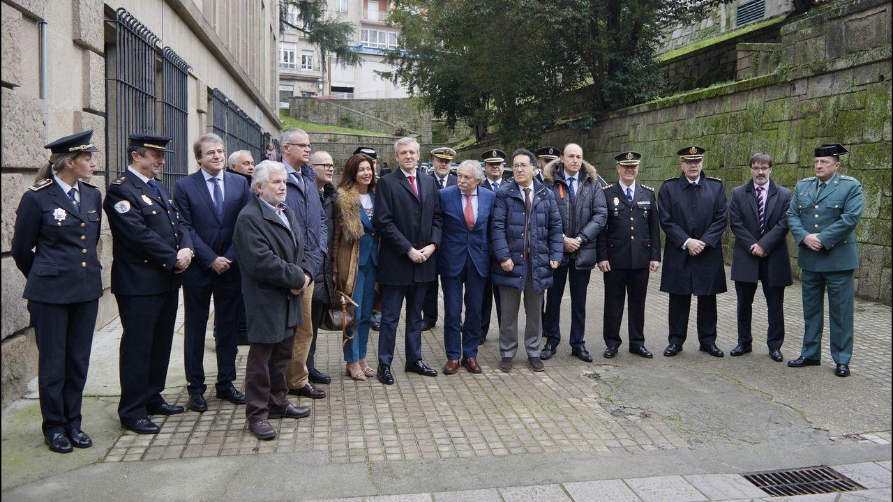 Las autoridades, en la inauguración de las nuevas instalaciones de la Policía Autonómica en el Pazo de Xustiza