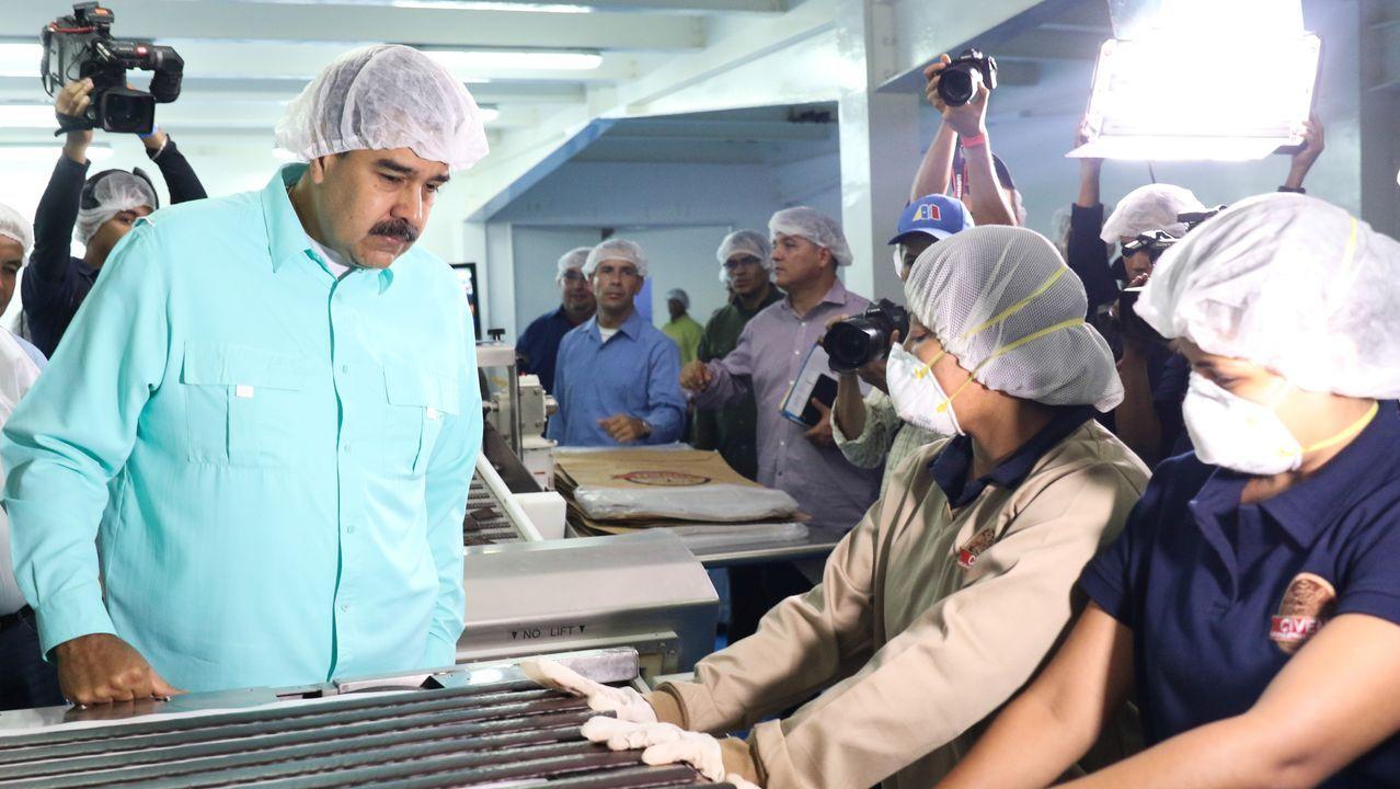 Nicolás Maduro, en una fábrica de Charallave, en Venezuela