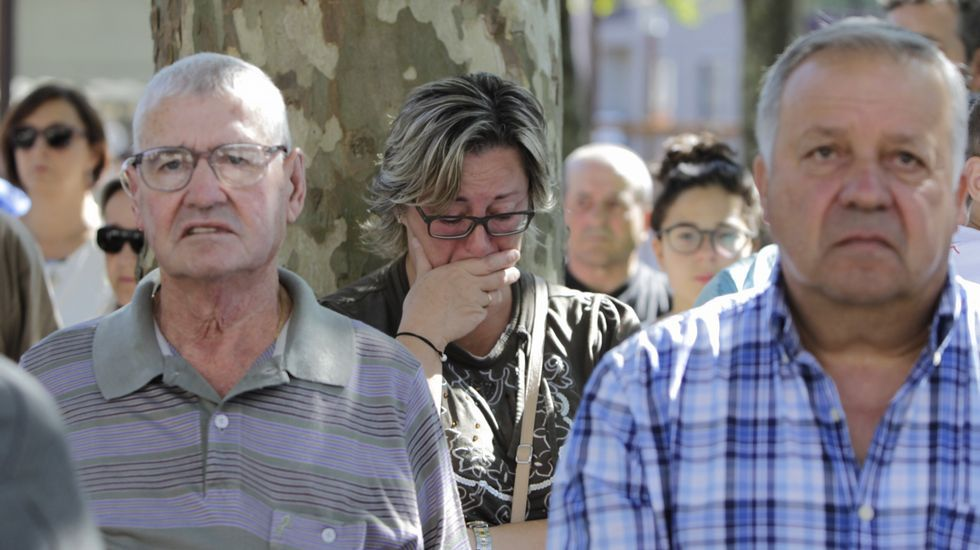 El ayuntamiento de Carral, de donde eran vecinas tres de las víctimas mortales, ha decretado tres días de luto oficial.