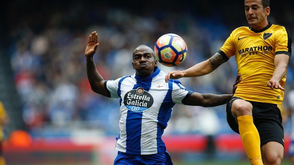 Pedro Mosquera celebra el gol que le dio la tranquilidad al Deportivo
