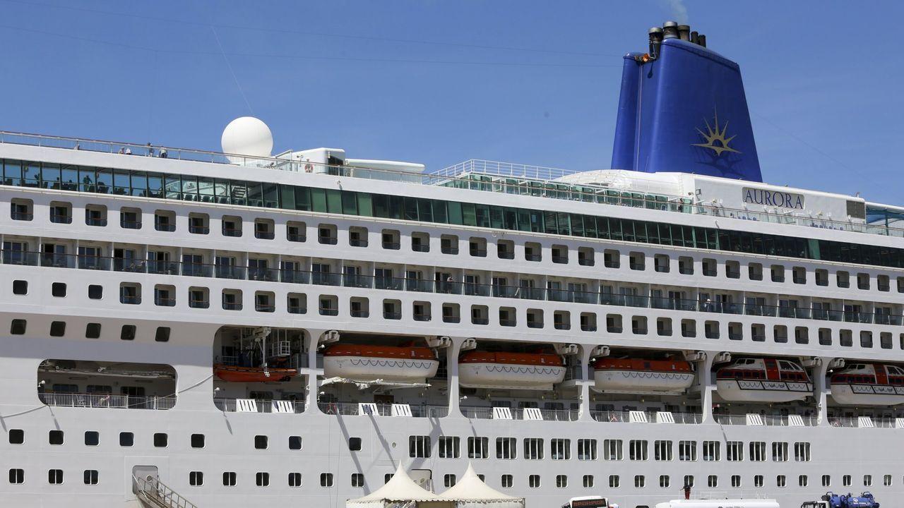 El buque con base en Ferrol navega hacia el puerto francés de Tolón, donde entrará en los próximos días
