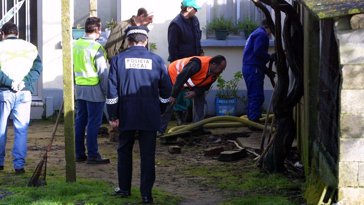 Inspección de la arqueta en la que apareció el arma del crimen
