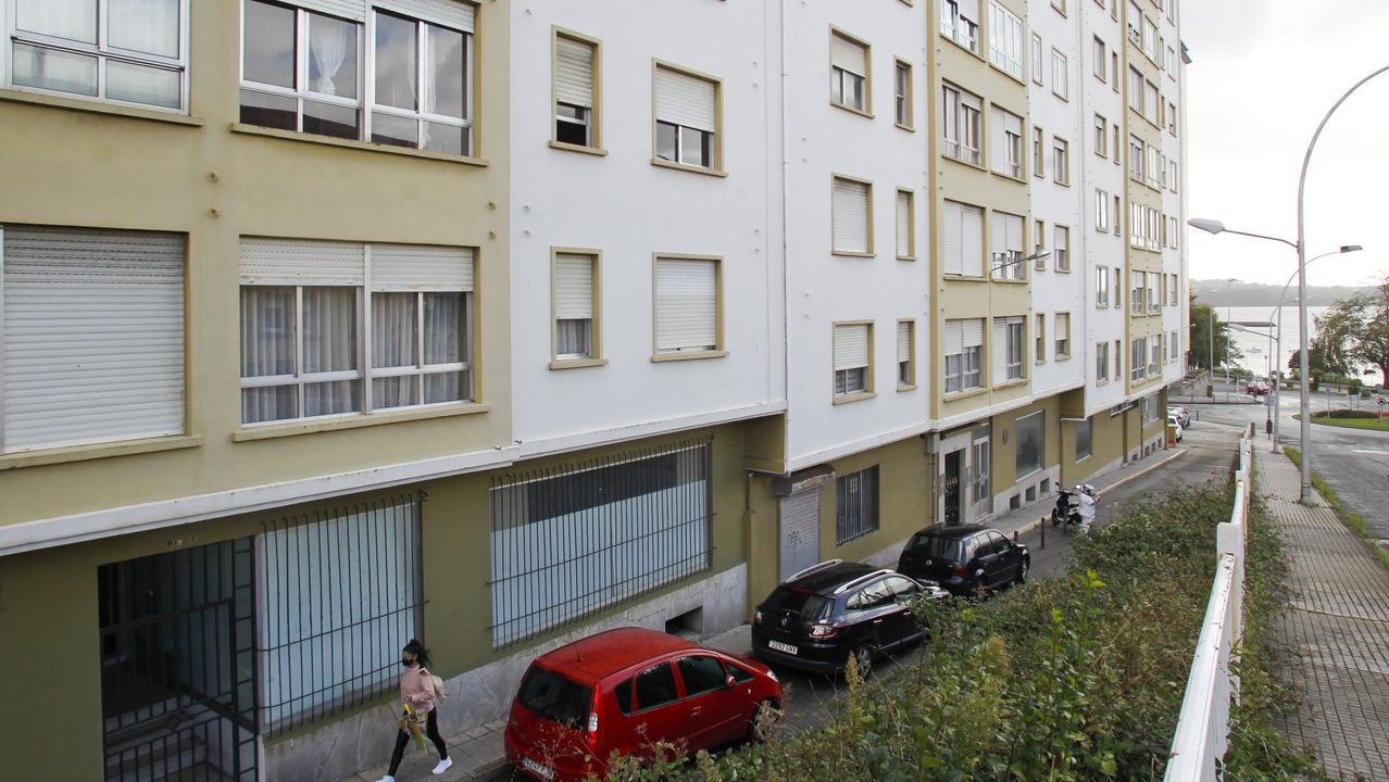 Edificios en la calle Marqués de Santa Cruz (Caranza), donde se encuentran algunos de los pisos