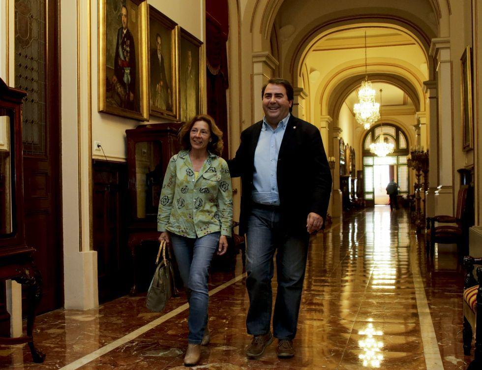 Barcón y Negreira, que aún deben desvelar su futuro, en María Pita antes de su encuentro.