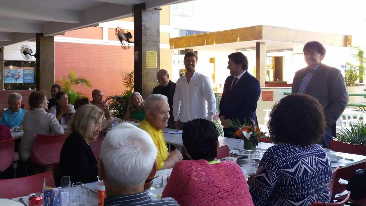 El secretario xeral da Emigración, en la Casa de España de Río de Janeiro