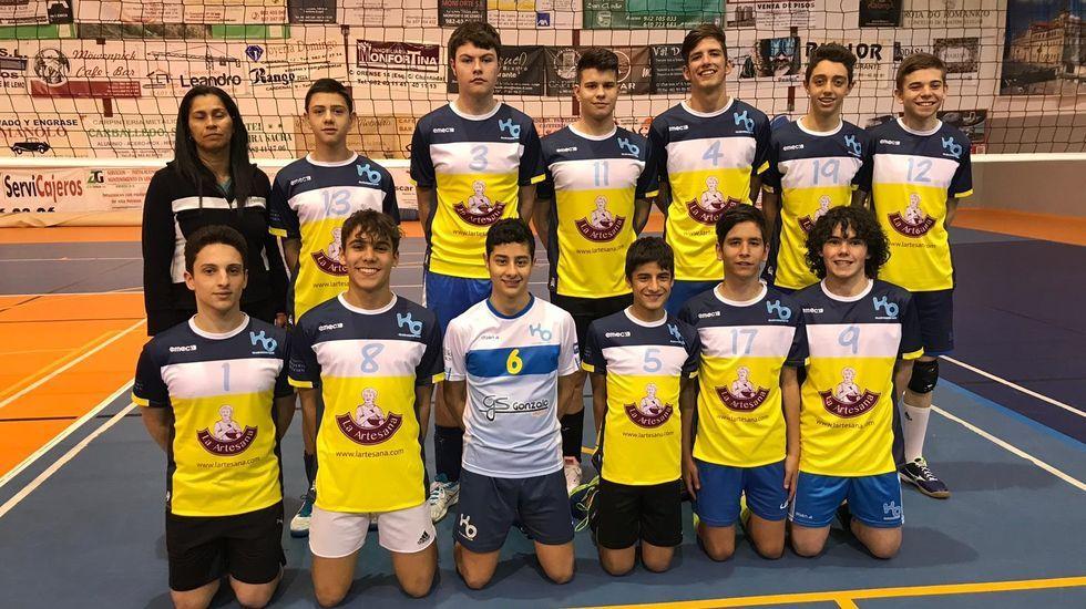 Homenaje brindado en Boiro a los integrantes del equipo Jealsa que ganaron el nacional de clubes
