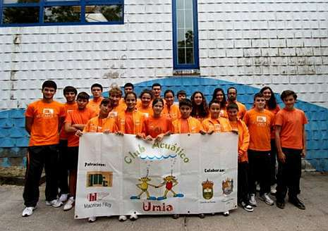 Integrantes del CA Umia, que este fin de semana acudieron a Arteixo.