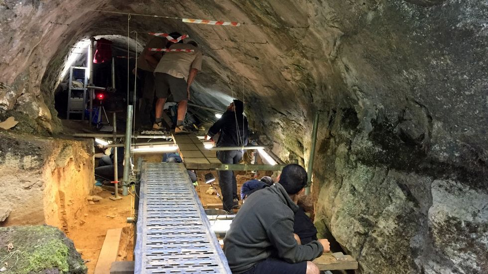 Cova Eirós, primer santuario del arte rupestre paleolítico descubierto en Galicia.Cerámica procedente del yacimiento de Verson (Francia) analizada en la investigación
