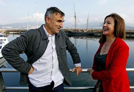 Alfonso Agra y Uxía Blanco residen en Vigo y comparten pantalla en «Serramoura».