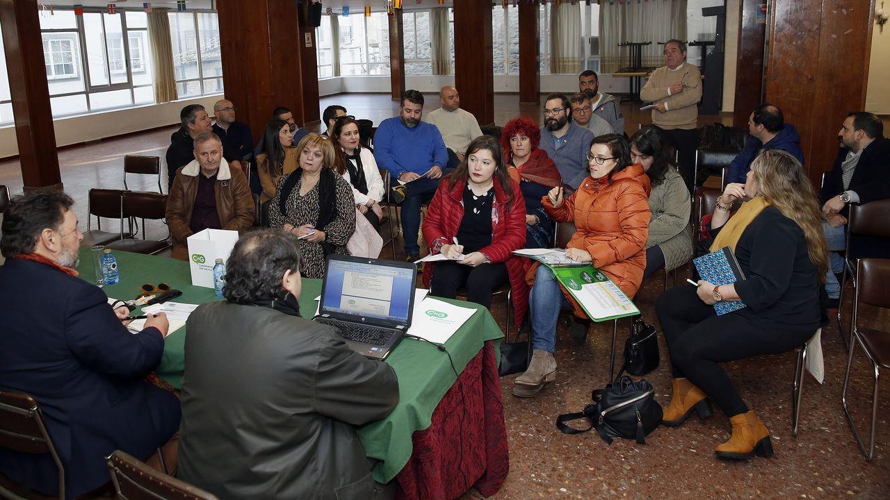 ¡Mira aquí as imaxes da homenaxe a Castelao en Rianxo!.Acto de Vox en Pontevedra