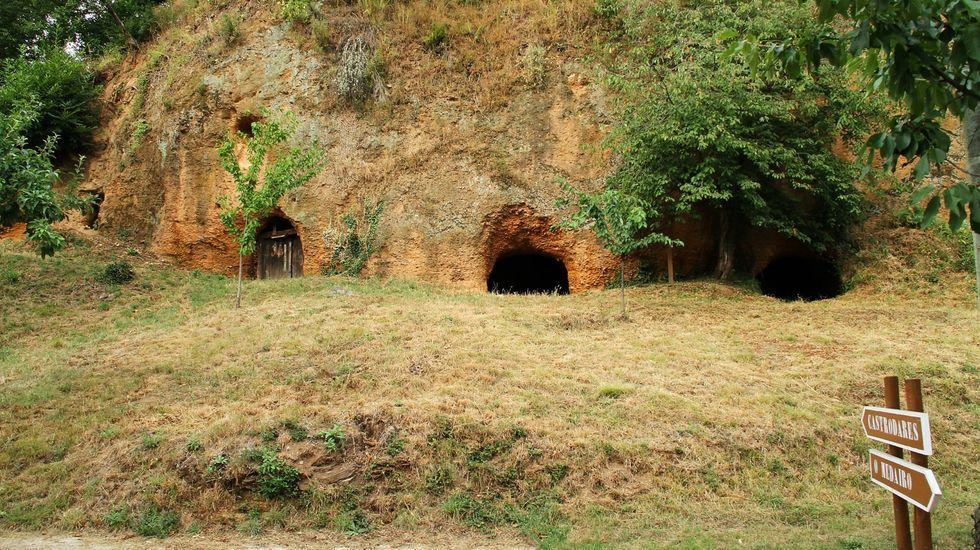 El incendio de Quiroga, en fotos.Entrada a las antiguas minas romanas de Margaride, en Quiroga