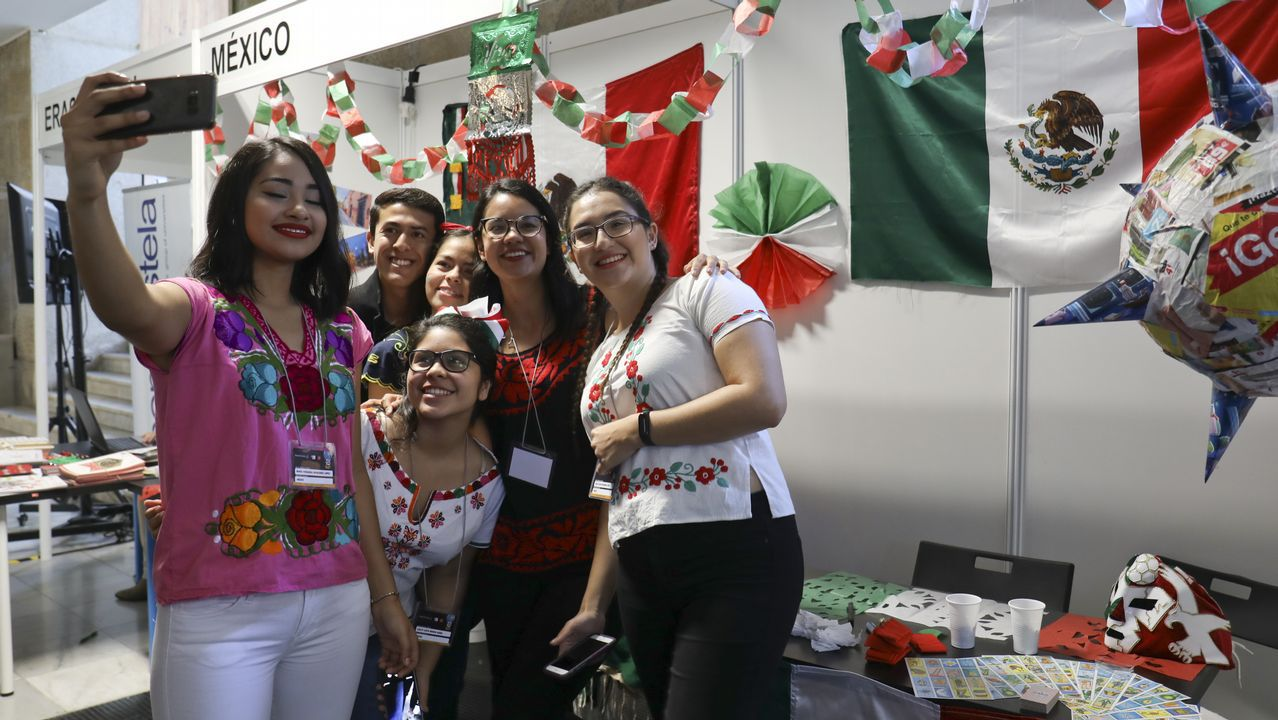 La USC celebra el International Day.La sede de Duro Felguera