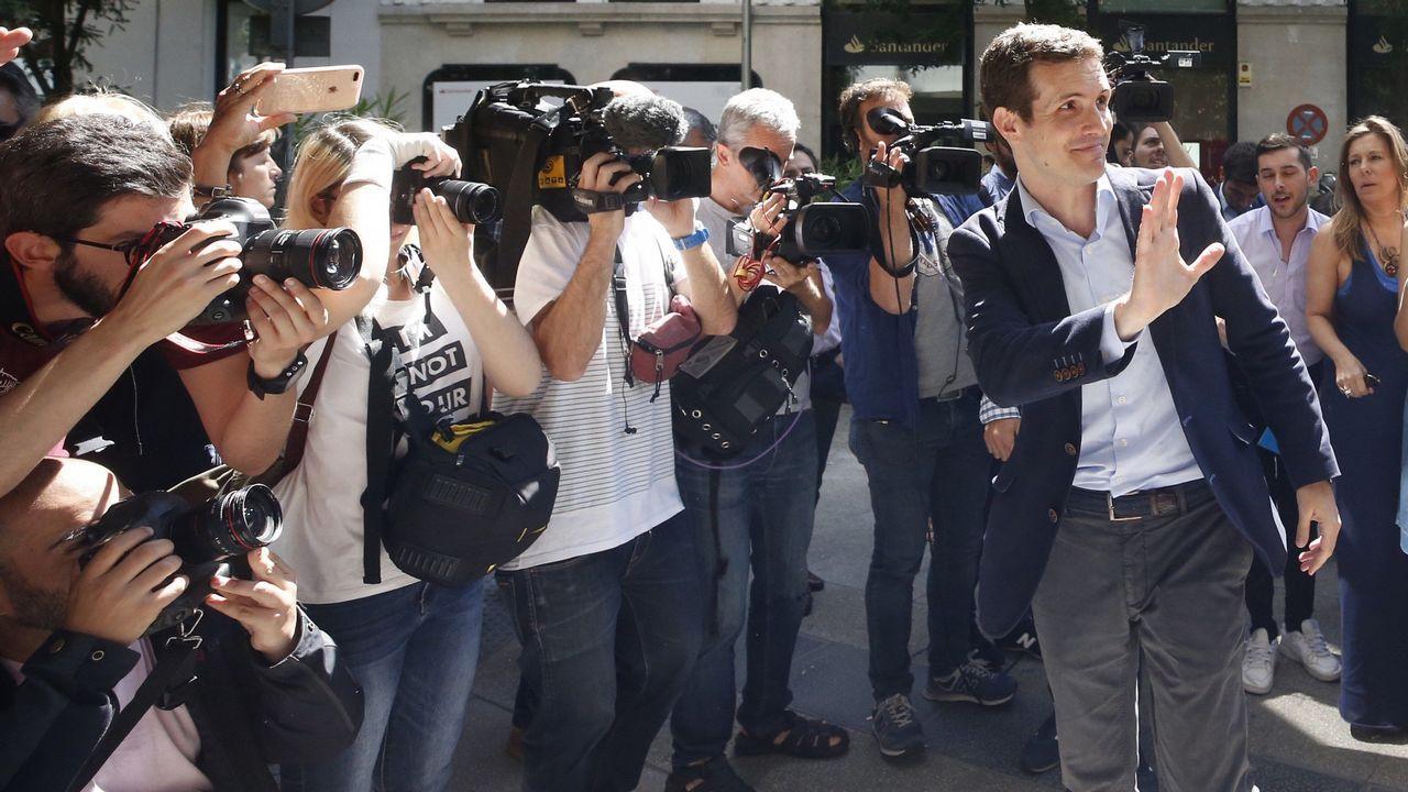 Sáenz de Santamaría: «Sé lo que es estar en el Gobierno y también en la oposición».Sánchez dijo que los españoles se reconocen en su Gobierno y que supone un cambio de época