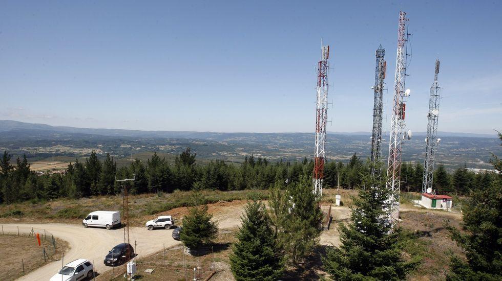 Antenas de telecomunicaciones del monte Marroxo, en el municipio de Monforte