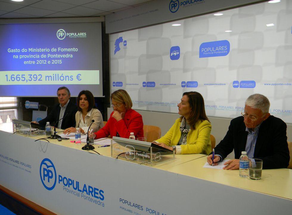 Gonzalo Ordóñez, Paz Lago, Dolores Pan, María Elvira Larriba y Jose Luis Rivera Mallo, ayer.
