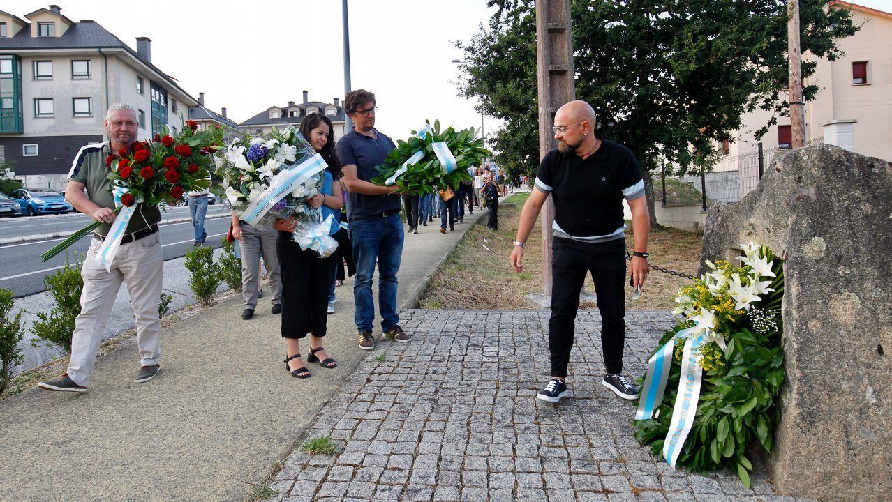 Homenaje a Anxel Casal en Cacheiras.Praza de Augas Férreas donde se instalarán terrazas