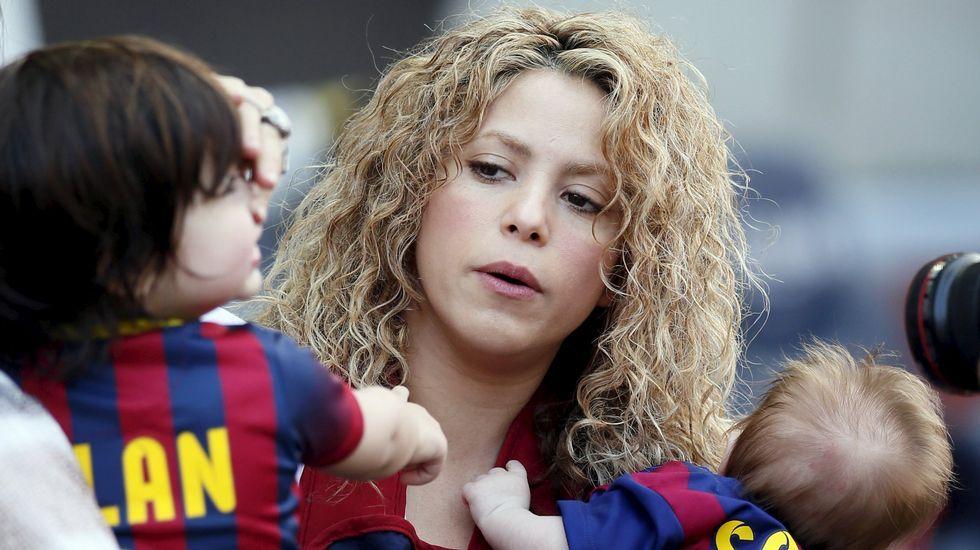 81. Shakira