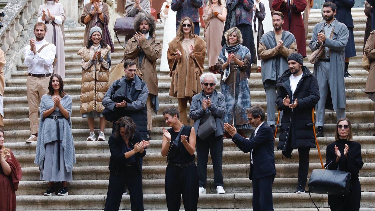 La moda del diseñador melidense Hugo López, de 15 años.Tiziana Domínguez (en el centro), durante el último desfile de Adolfo Domínguez