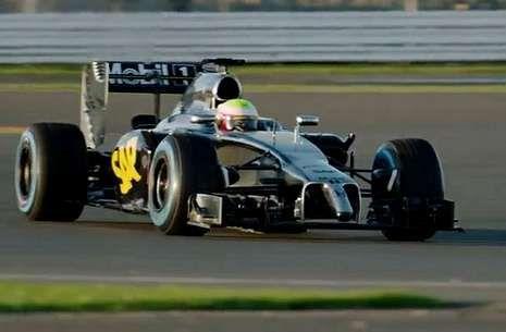 Últimas alertas de consumo sobre coches.En la imagen, el nuevo McLaren-Honda, durante los ensayos en el circuito británico de Silverstone.