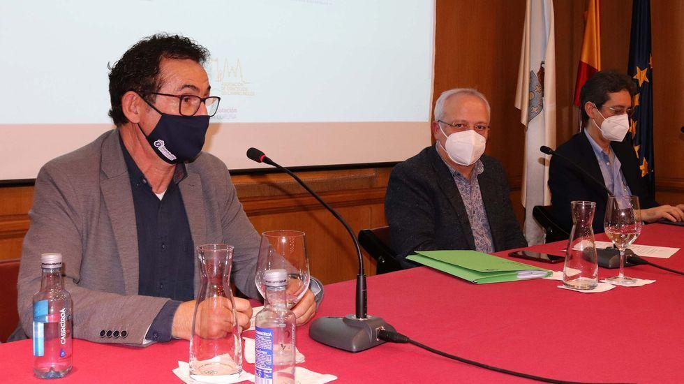El concejal orosino y diputado provincial, Antonio Leira, junto al alcalde, Manuel Mirás Franqueira