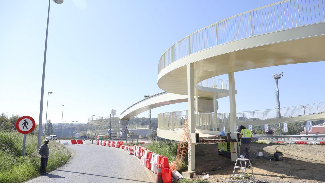 Las obras de instalación de la pasarela concluyeron este lunes, ahora falta la iluminación y la humanización