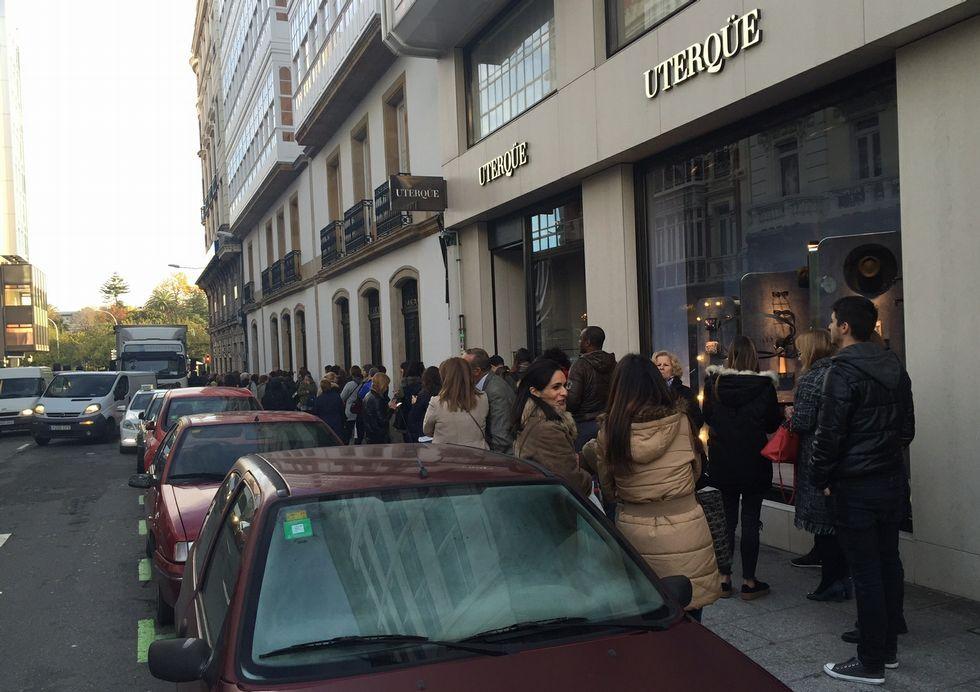 Los coruñeses enamorados del ginkgo biloba de Cuatro Caminos.Alumnos del colegio Ramón de la Sagra de A Coruña vuelven al colegio después de las obras de la cubierta