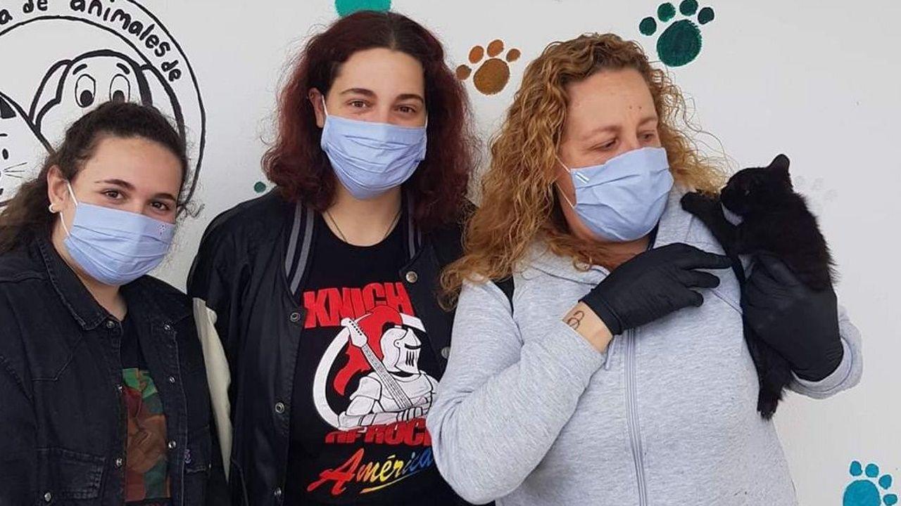 Los «cazafantasmas» del virus desinfectan por el mundo