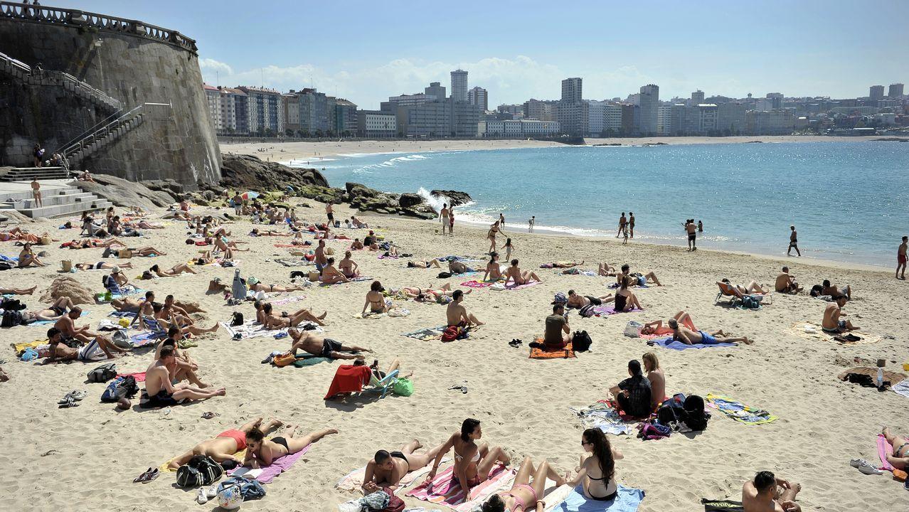 A Coruña vive su día más cálido del año en la playa