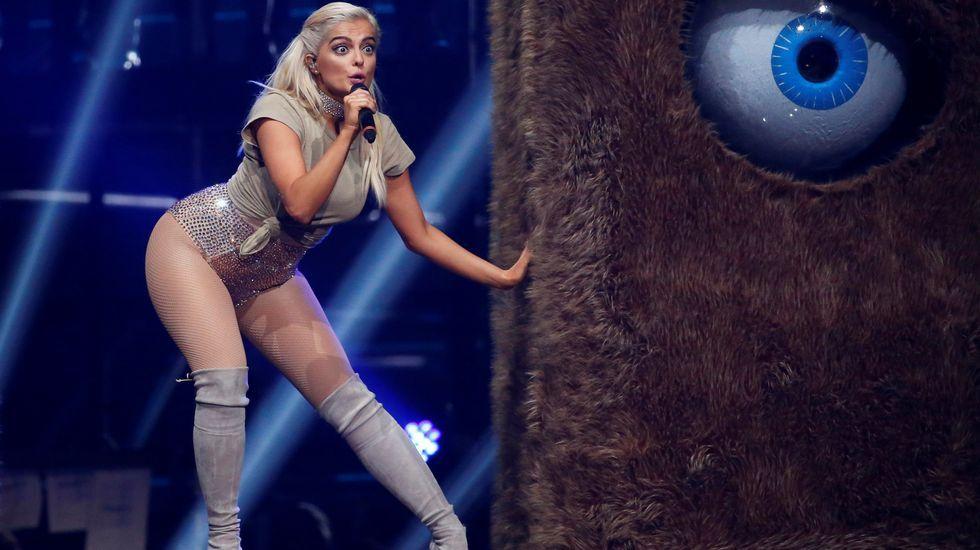 Bebe Rexha, sobre el escenario.