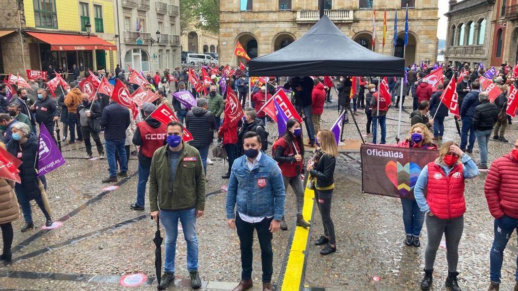Así celebran los trabajadores gallegos elPrimero de Mayo.Manifestación del 1 de mayo, día del trabajador, en Gijón