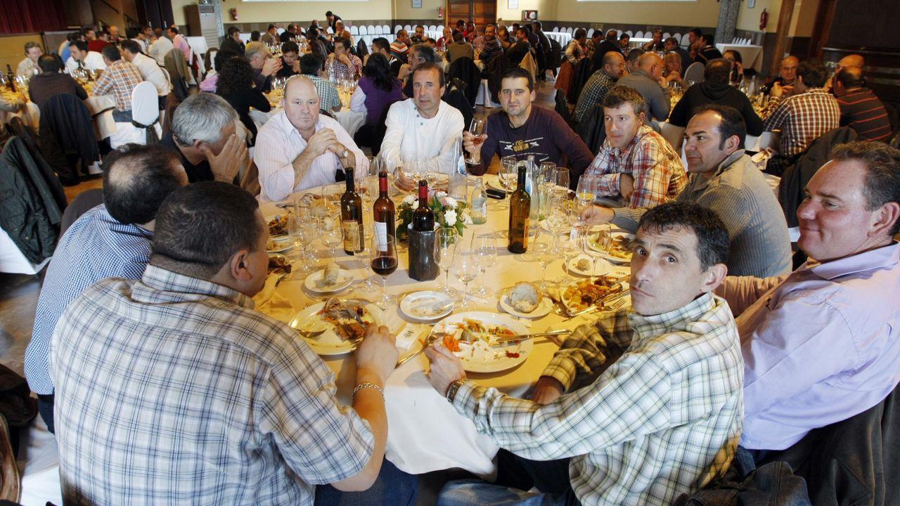 En una imagen de archivo, del 2012, la comida de los empleados de la concesionaria de la limpieza viaria de Ourense