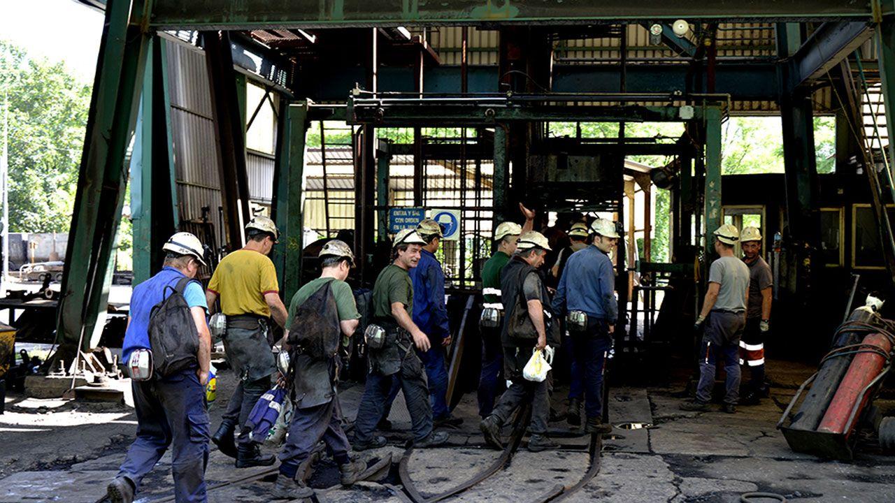 Mineros en el Pozo Carrio