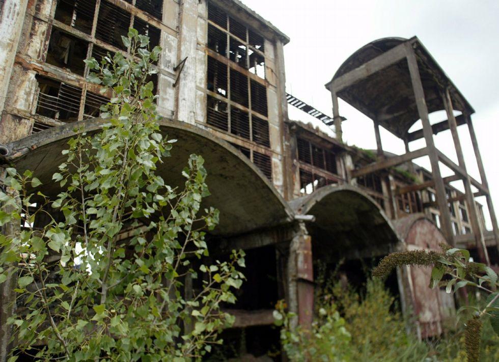 Las ruinas de la antigua fábrica, en el 2006
