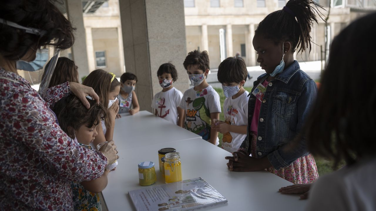 Los pequeños disfrutaron en la biblio de ciencia y naturaleza