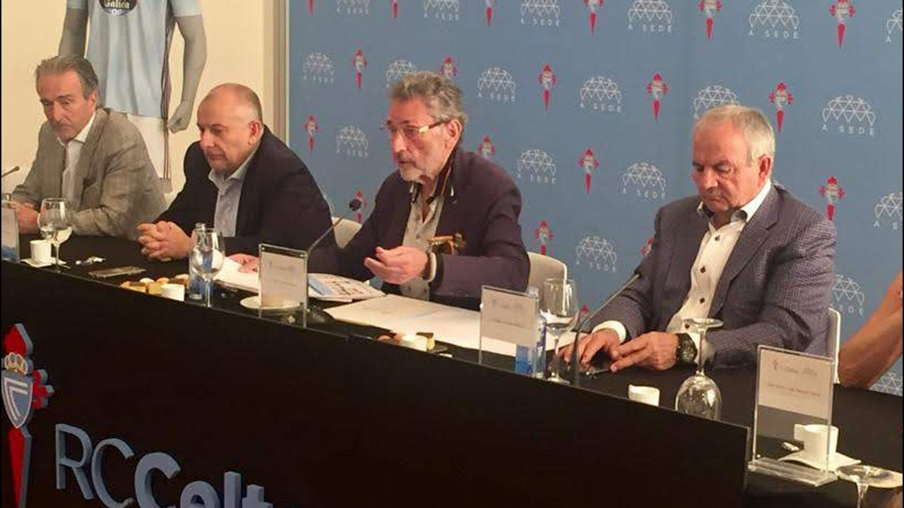 En directo | Comparecencia de Carlos Mouriño.Carlos Mouriño y su nieto Carlos Álvarez Mouriño, el pasado agosto en A Madroa