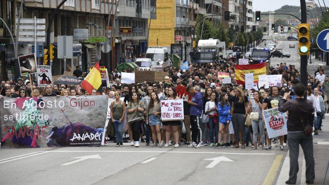 Imágenes de la marcha antitaurina