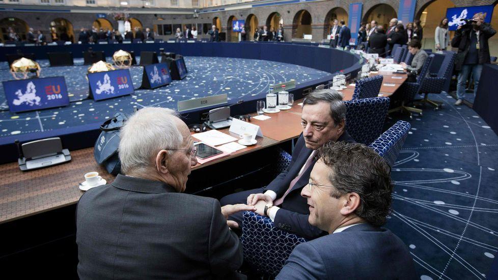 Luis de Guindos: «Vamos a elecciones».De Guindos, en la reunión del Ecofin