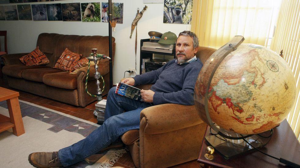 Los tatuajes de Beckham protagonizan una campaña contra el maltrato infantil.Foni Díaz garda gran parte dos recordos das súas viaxes no seu piso da Illa de Arousa.
