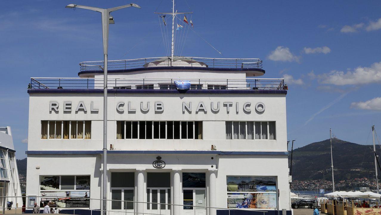 El examen de los vigilantes de la playa.Exterior del Club Fluvial de Lugo