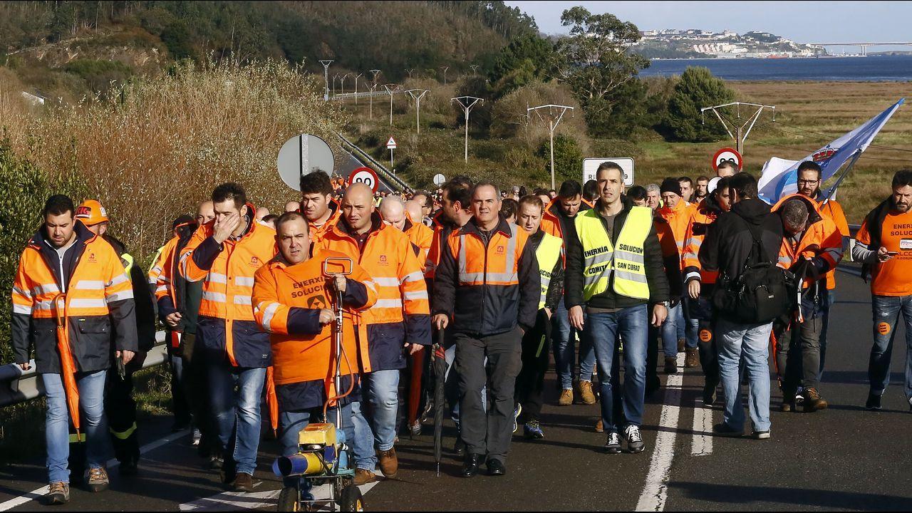 Concentración de los trabajadores de Alcoa ante el Ministerio de Industria.Concentración de los trabajadores de Alcoa ante el Ministerio de Industria