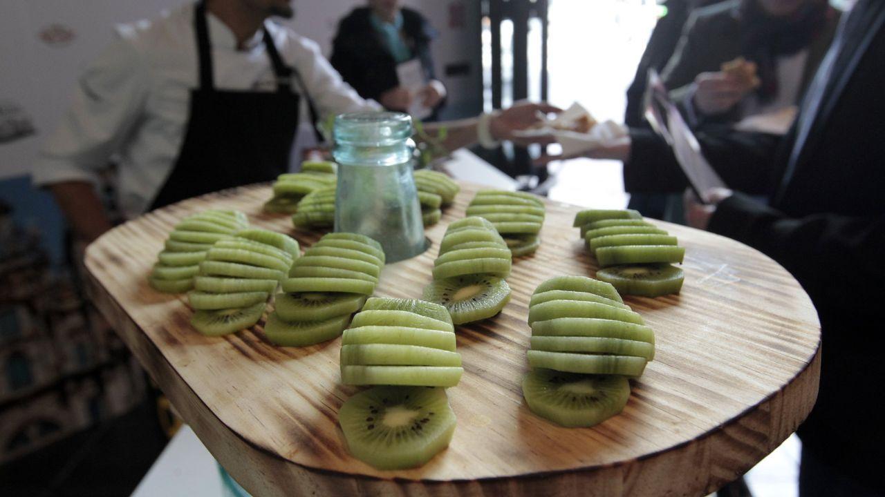 Imagen de archivo de kiwis cultivados en Galicia durante una degustación de productos de Galicia Calidade en el mercado de San Antón, en Madrid