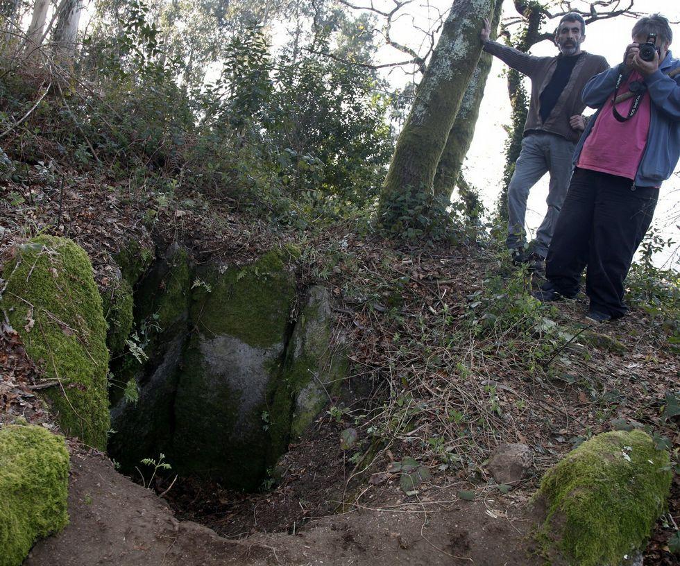 Sete pedras conforman o monumento megalítico<span lang= es-es >. </span>
