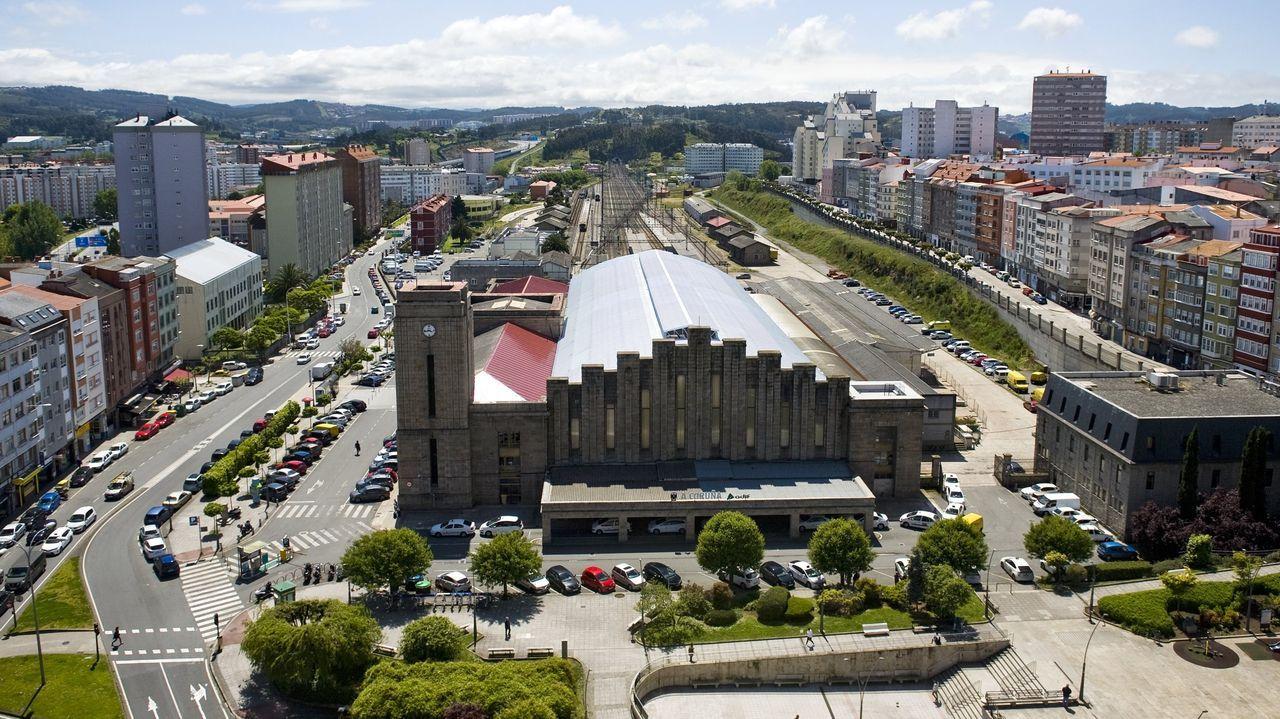 En directo: Sigue el pleno del Ayuntamiento de A Coruña.Prueba de covid en A Coruña